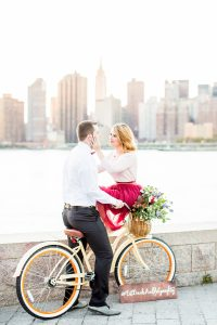 Skyline Engagement Photos, Lic Gantry Park Engagement Session City View, NYC wedding photographer with modern editorial approach , brooklyn dumbo engagement session, long island city engagement session, getting married in NYC, new york city elopement photographer, vintage bicycle engagement session, tulle skirt engagement session ideas, fall themed engagement session, astoria wedding photographer, manhattan modern top wedding photographer, new york best wedding photographer